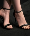 Isla-Fisher-Feet-2503374.jpg